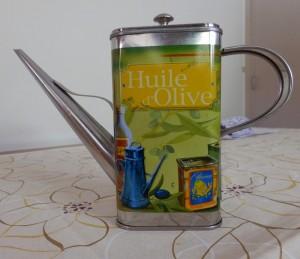 P6160443  boite de l'hule d'olive