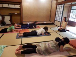 p9092470-yoga-lesson-4